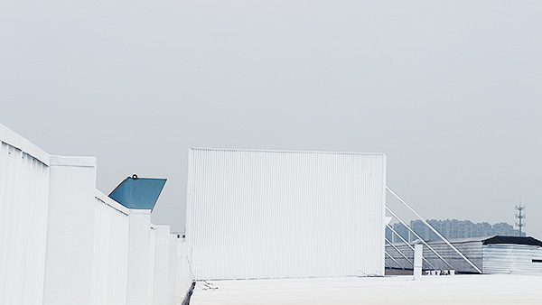 屋面喷漆翻新改造